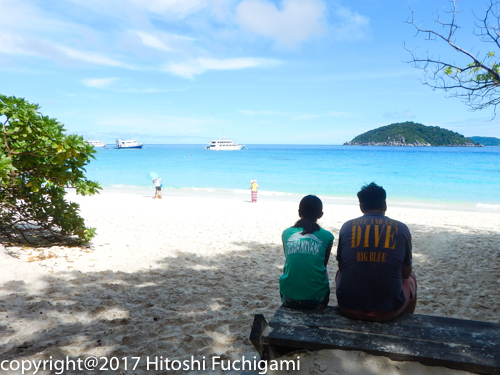 MV Hallelujah liveaboard dive guides at the Similan Islands