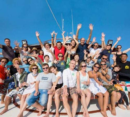 Similan Liveaboard Group Photo on The MV Hallelujah