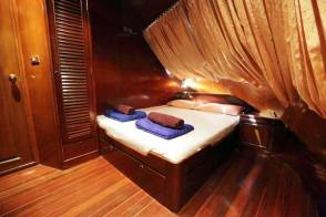 Deluxe double cabin on MV Hallelujah
