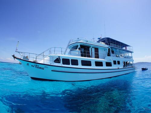 camic_boat_side