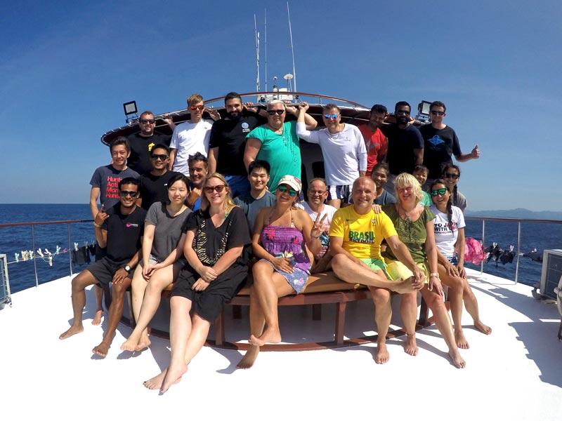 Similan Liveaboard MV Hallelujah group photo