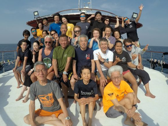 Similan liveaboard group photo trip 20