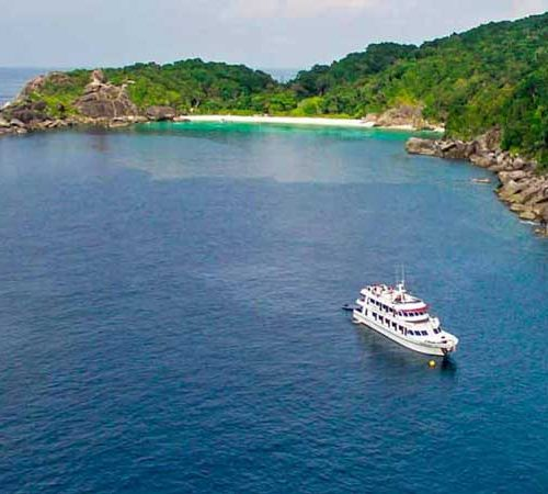 Hallelujah liveaboard at Similan Island eight