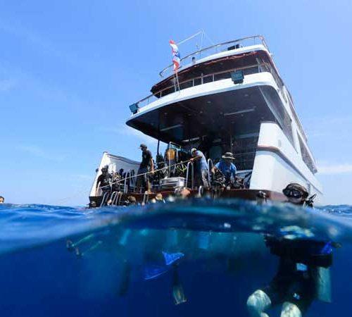 MV Hallelujah Similan Liveaboard Dive deck