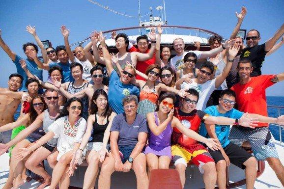 Group Photo on SImilan Liveaboard MV Hallelujah
