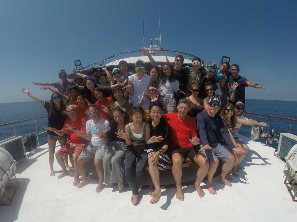 Similan liveaboard group photo trip 18